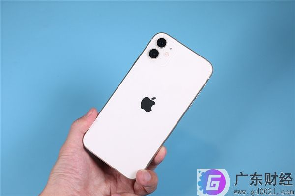 iPhone11降价1600元,iPhone11放下身段、自降身价。